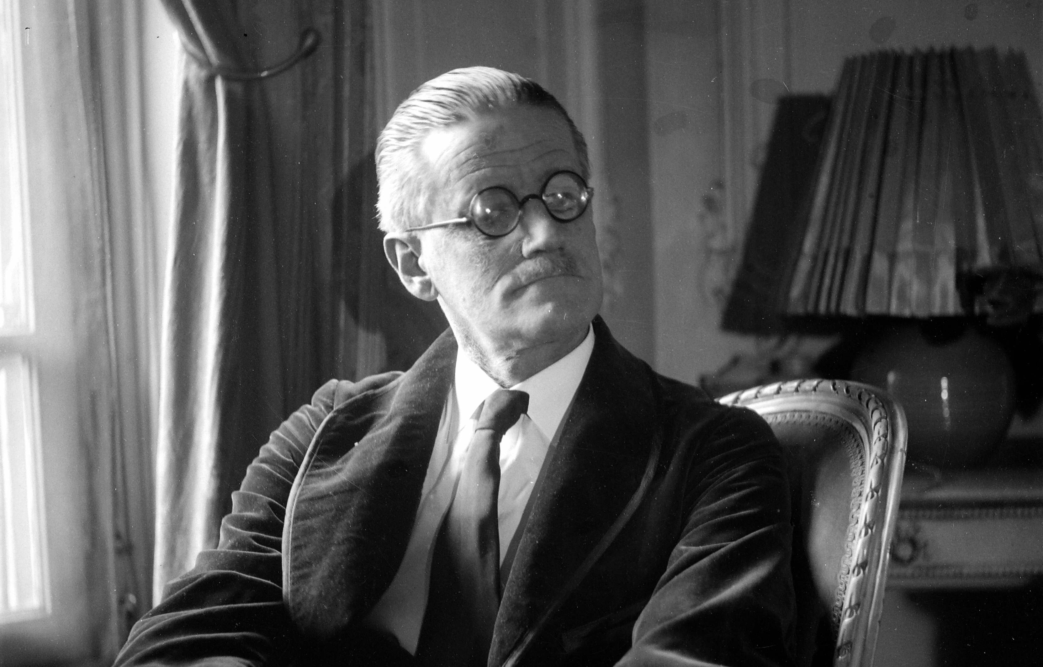 2 февраля 1882 года в Дублине родился Джеймс Джойс – ирландский писатель, одна из наиболее значительных фигур мировой литературы XX века.