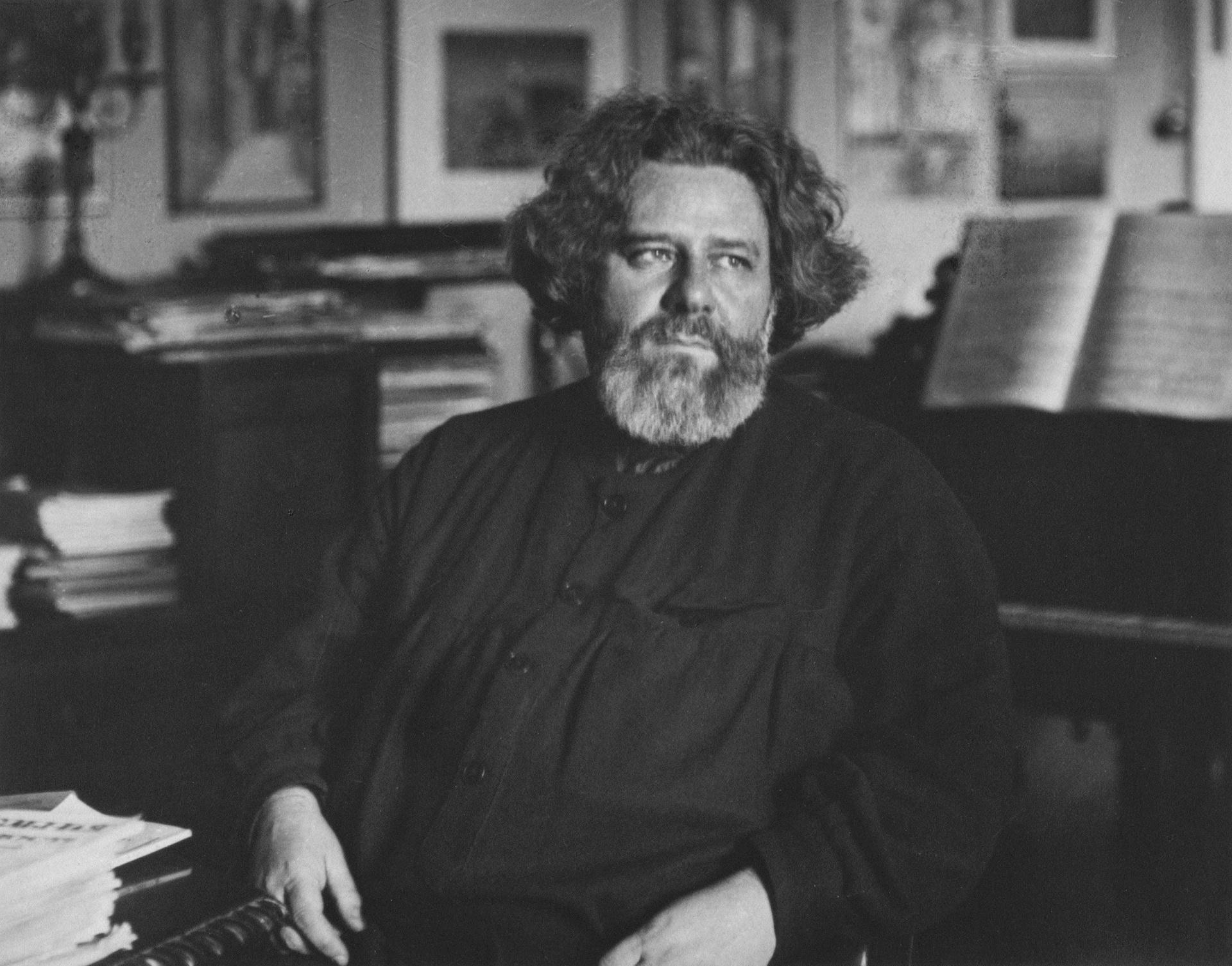 28 мая 1877 года родился Максимилиан Волошин. Русский поэт, имевший репутацию провидца и пророка. Художник-пейзажист «киммерийской школы живописи», участник выставок «Мира искусства».
