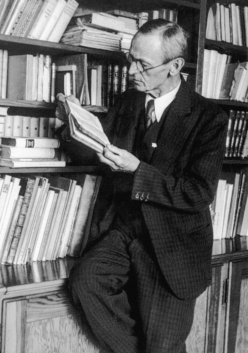 2 июля 1877 года родился Герман Гессэ. Немецкий писатель, поэт и художник, один из самых читаемых авторов XX столетия, лауреат Нобелевской премии по литературе.